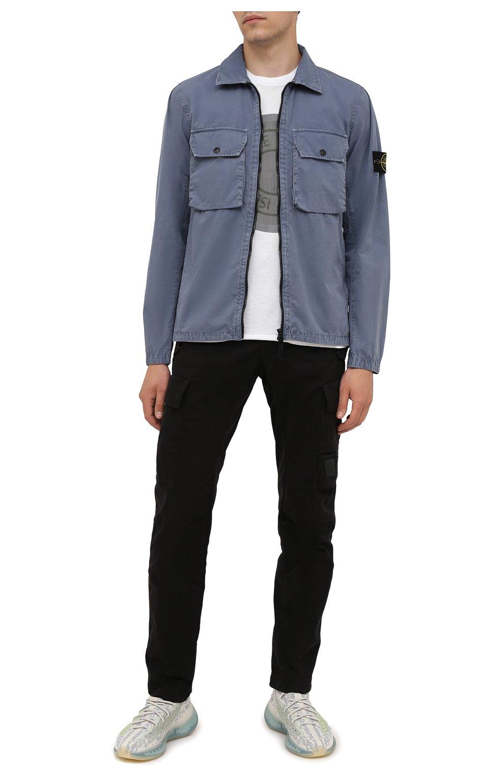Мужская хлопковая куртка STONE ISLAND синего цвета, арт. 7515113WN | Фото 2 (Кросс-КТ: Куртка, Ветровка; Рукава: Длинные; Материал внешний: Хлопок; Длина (верхняя одежда): Короткие; Стили: Кэжуэл)
