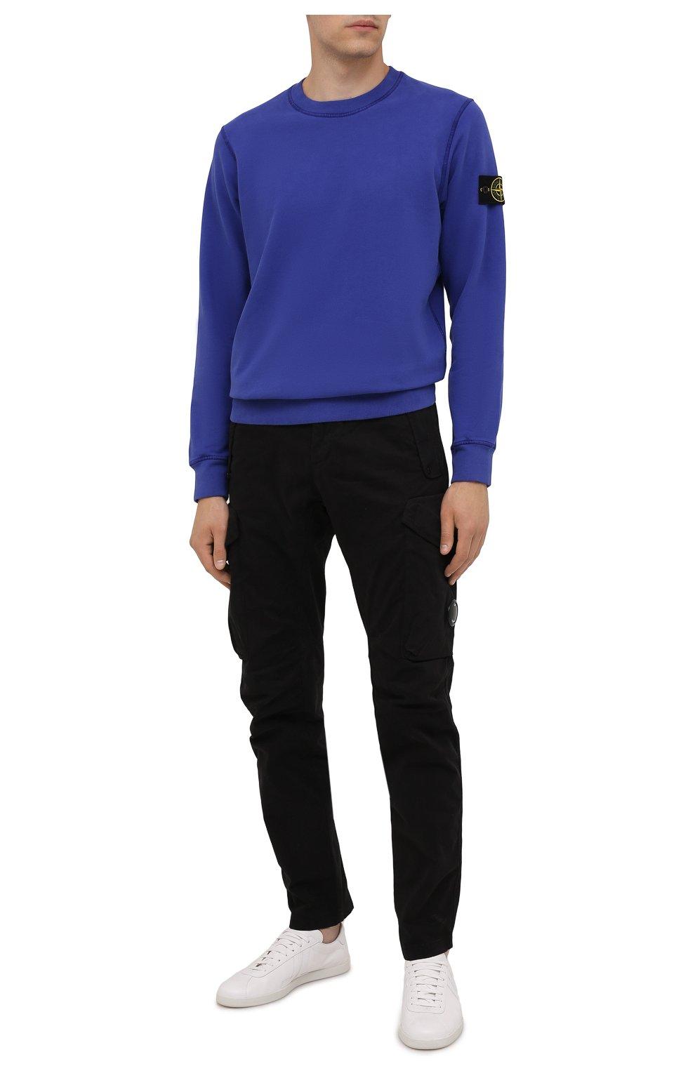 Мужской хлопковый свитшот STONE ISLAND синего цвета, арт. 751563020   Фото 2 (Рукава: Длинные; Принт: Без принта; Длина (для топов): Стандартные; Мужское Кросс-КТ: свитшот-одежда; Материал внешний: Хлопок; Стили: Кэжуэл)