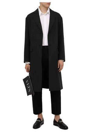 Мужской шерстяное пальто VALENTINO темно-серого цвета, арт. WV3CAD857GY | Фото 2 (Материал подклада: Купро; Длина (верхняя одежда): До колена; Материал внешний: Шерсть; Рукава: Длинные; Мужское Кросс-КТ: пальто-верхняя одежда; Стили: Кэжуэл)