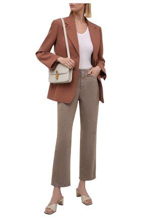 Женские джинсы BRUNELLO CUCINELLI темно-бежевого цвета, арт. MB030P5674 | Фото 2 (Материал внешний: Хлопок; Силуэт Ж (брюки и джинсы): Расклешенные; Стили: Кэжуэл; Кросс-КТ: Деним; Длина (брюки, джинсы): Стандартные)