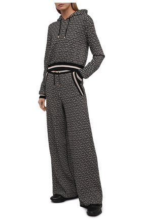 Женские брюки из шерсти и льна BALMAIN черно-белого цвета, арт. WF10B015/K256   Фото 2 (Длина (брюки, джинсы): Удлиненные; Материал внешний: Лен, Шерсть; Женское Кросс-КТ: Брюки-одежда; Силуэт Ж (брюки и джинсы): Широкие; Стили: Кэжуэл; Кросс-КТ: Трикотаж)