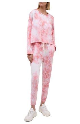 Женские джоггеры ELECTRIC&ROSE светло-розового цвета, арт. LFBT25-BL00M | Фото 2 (Длина (брюки, джинсы): Стандартные; Женское Кросс-КТ: Джоггеры - брюки, Брюки-спорт; Стили: Спорт-шик; Силуэт Ж (брюки и джинсы): Джоггеры)
