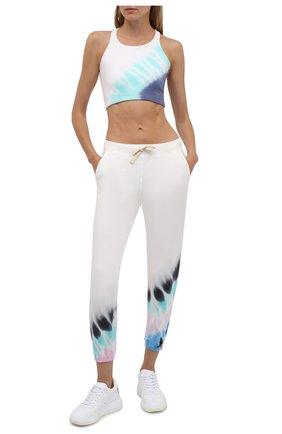 Женские хлопковые джоггеры ELECTRIC&ROSE разноцветного цвета, арт. LFBT08-BEAM | Фото 2 (Материал внешний: Хлопок; Женское Кросс-КТ: Джоггеры - брюки, Брюки-спорт; Стили: Спорт-шик; Силуэт Ж (брюки и джинсы): Джоггеры; Длина (брюки, джинсы): Укороченные)