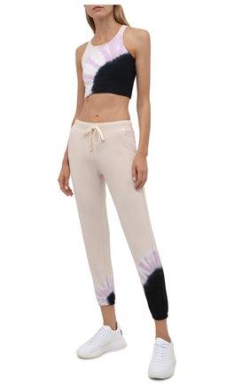 Женские хлопковые джоггеры ELECTRIC&ROSE разноцветного цвета, арт. LFBT08-ECH0 | Фото 2 (Материал внешний: Хлопок; Женское Кросс-КТ: Джоггеры - брюки, Брюки-спорт; Стили: Спорт-шик; Длина (брюки, джинсы): Стандартные; Силуэт Ж (брюки и джинсы): Джоггеры)