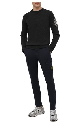 Мужские хлопковые брюки-карго STONE ISLAND темно-синего цвета, арт. 7515318L1 | Фото 2
