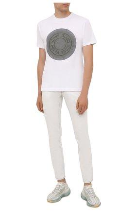 Мужская хлопковая футболка STONE ISLAND белого цвета, арт. 75152NS89 | Фото 2