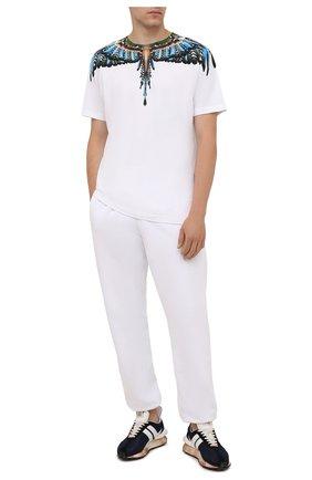 Мужская хлопковая футболка MARCELO BURLON белого цвета, арт. CMAA018F21JER003 | Фото 2 (Материал внешний: Хлопок; Рукава: Короткие; Длина (для топов): Стандартные; Стили: Кэжуэл; Принт: С принтом)