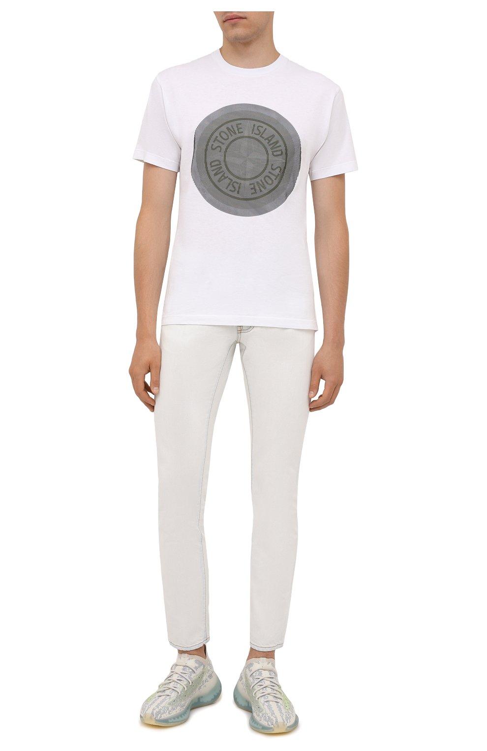 Мужские джинсы MARCELO BURLON белого цвета, арт. CMYA007F21DEN001 | Фото 2 (Силуэт М (брюки): Прямые; Кросс-КТ: Деним; Длина (брюки, джинсы): Стандартные; Материал внешний: Хлопок; Стили: Кэжуэл)