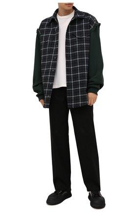Мужская хлопковая рубашка BALENCIAGA зеленого цвета, арт. 658936/TCM01 | Фото 2 (Материал внешний: Хлопок; Материал подклада: Купро; Рукава: Длинные; Случай: Повседневный; Воротник: Кент; Длина (для топов): Удлиненные; Принт: Клетка; Манжеты: Без застежки; Стили: Гранж)