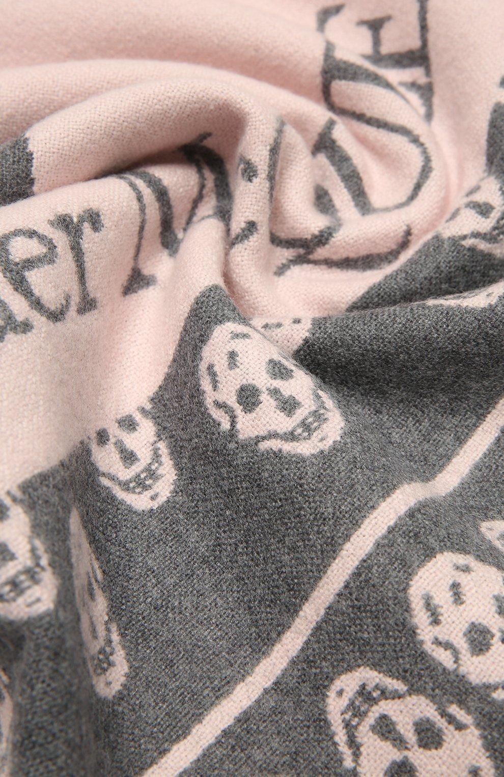 Женский шерстяной шарф ALEXANDER MCQUEEN розового цвета, арт. 662456/3200Q | Фото 2 (Материал: Шерсть)