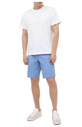 Мужские хлопковые шорты BOSS голубого цвета, арт. 50423114 | Фото 2 (Длина Шорты М: До колена; Материал внешний: Хлопок; Мужское Кросс-КТ: Шорты-одежда; Принт: Без принта; Стили: Кэжуэл)