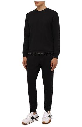 Мужские джоггеры BOSS черного цвета, арт. 50452474 | Фото 2 (Материал внешний: Хлопок, Синтетический материал; Длина (брюки, джинсы): Стандартные; Силуэт М (брюки): Джоггеры; Стили: Спорт-шик; Мужское Кросс-КТ: Брюки-трикотаж)