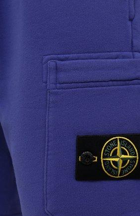 Мужские хлопковые шорты STONE ISLAND синего цвета, арт. 751564620   Фото 5 (Длина Шорты М: До колена; Принт: Без принта; Кросс-КТ: Трикотаж; Материал внешний: Хлопок; Стили: Спорт-шик)