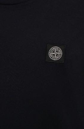 Мужская хлопковый лонгслив STONE ISLAND темно-синего цвета, арт. 751522713   Фото 5 (Рукава: Длинные; Принт: Без принта; Длина (для топов): Стандартные; Материал внешний: Хлопок; Стили: Кэжуэл)