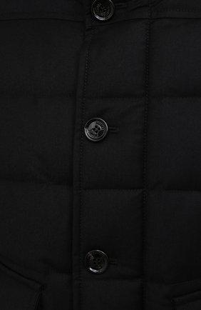 Мужской пуховый бомбер с меховой отделкой fantoni-shl MOORER черного цвета, арт. FANT0NI-SHL/M0UGI100177-TEPA235 | Фото 5 (Кросс-КТ: Куртка; Мужское Кросс-КТ: пуховик-короткий; Рукава: Длинные; Принт: Без принта; Материал внешний: Синтетический материал; Длина (верхняя одежда): Короткие; Материал утеплителя: Пух и перо; Стили: Кэжуэл)