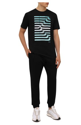 Мужская футболка BOSS черного цвета, арт. 50452846 | Фото 2 (Длина (для топов): Стандартные; Материал внешний: Хлопок, Синтетический материал; Рукава: Короткие; Принт: С принтом; Стили: Кэжуэл)