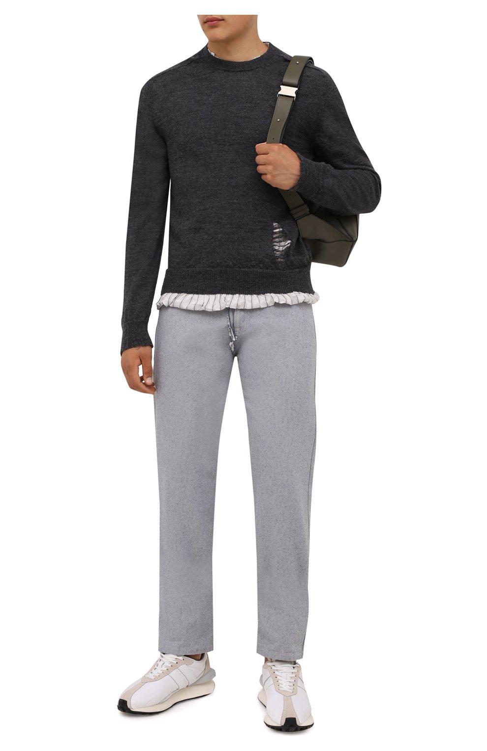 Мужской шерстяной свитер MAISON MARGIELA серого цвета, арт. S50HA1007/S17784   Фото 2 (Материал внешний: Шерсть; Рукава: Длинные; Принт: Без принта; Длина (для топов): Стандартные; Материал подклада: Синтетический материал, Вискоза; Мужское Кросс-КТ: Свитер-одежда; Стили: Минимализм)