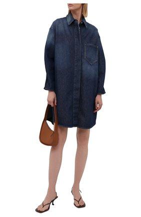 Женское джинсовое платье MM6 синего цвета, арт. S52AA0117/STZ019 | Фото 2 (Рукава: Длинные; Длина Ж (юбки, платья, шорты): До колена; Стили: Гламурный; Случай: Повседневный; Кросс-КТ: Деним; Женское Кросс-КТ: Платье-одежда; Материал внешний: Хлопок)
