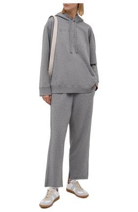 Женские хлопковые брюки MM6 серого цвета, арт. S52KA0323/S25337   Фото 2