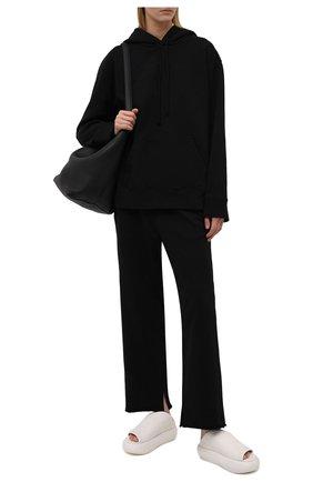 Женские хлопковые брюки MM6 черного цвета, арт. S52KA0323/S25337   Фото 2