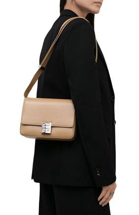 Женская сумка 4g medium GIVENCHY бежевого цвета, арт. BB50HCB15S   Фото 2 (Материал: Натуральная кожа; Размер: medium; Сумки-технические: Сумки через плечо; Ремень/цепочка: На ремешке)