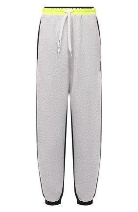 Женские хлопковые джоггеры P.E. NATION серого цвета, арт. 21PE1P077 | Фото 1 (Длина (брюки, джинсы): Стандартные; Материал внешний: Хлопок; Стили: Спорт-шик; Женское Кросс-КТ: Джоггеры - брюки, Брюки-спорт; Силуэт Ж (брюки и джинсы): Джоггеры)