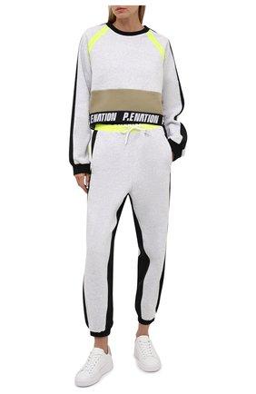 Женские хлопковые джоггеры P.E. NATION серого цвета, арт. 21PE1P077 | Фото 2 (Длина (брюки, джинсы): Стандартные; Материал внешний: Хлопок; Стили: Спорт-шик; Женское Кросс-КТ: Джоггеры - брюки, Брюки-спорт; Силуэт Ж (брюки и джинсы): Джоггеры)