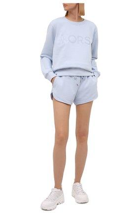 Женские хлопковые шорты MICHAEL MICHAEL KORS светло-голубого цвета, арт. MS1301P23G | Фото 2
