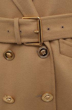 Женское шерстяное пальто VERSACE бежевого цвета, арт. 1001064/1A00884   Фото 5 (Материал внешний: Шерсть; Рукава: Длинные; Длина (верхняя одежда): До середины бедра; 1-2-бортные: Двубортные; Материал подклада: Купро; Стили: Кэжуэл)