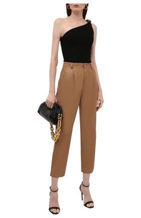 Женские кожаные брюки REDVALENTINO бежевого цвета, арт. WR3NF00M/639 | Фото 2 (Женское Кросс-КТ: Брюки-одежда, Кожаные брюки; Силуэт Ж (брюки и джинсы): Прямые; Стили: Кэжуэл; Длина (брюки, джинсы): Укороченные)