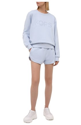 Женский хлопковый свитшот MICHAEL MICHAEL KORS светло-голубого цвета, арт. MS1501I23G | Фото 2