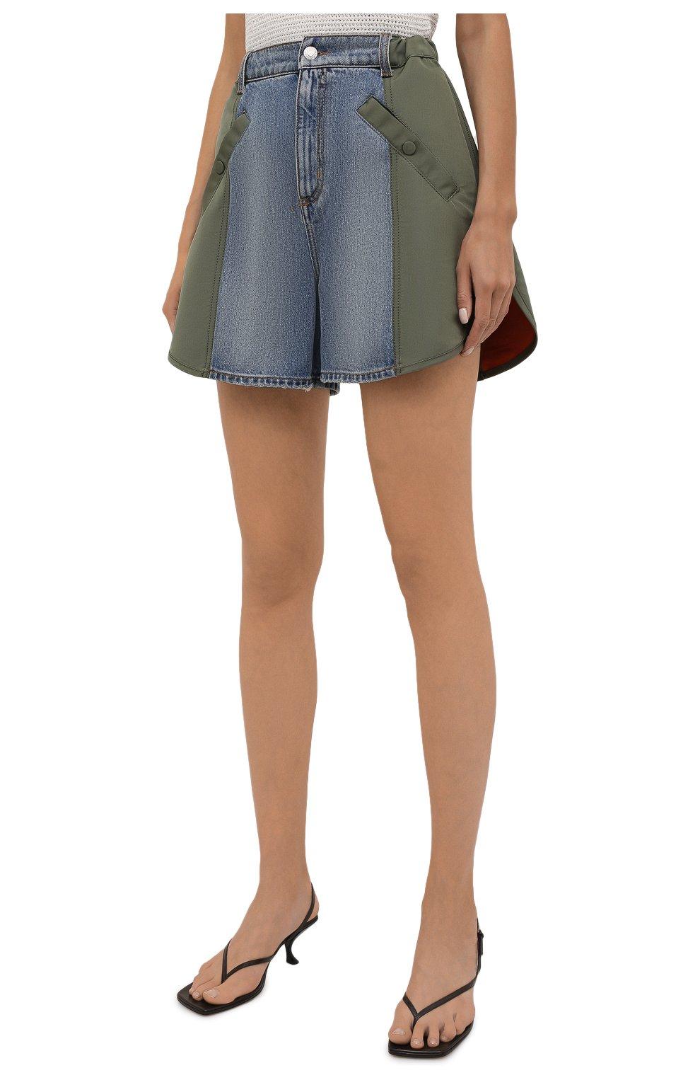 Женские комбинированные шорты ALEXANDER MCQUEEN хаки цвета, арт. 665629/QZADF | Фото 3 (Женское Кросс-КТ: Шорты-одежда; Кросс-КТ: Деним; Длина Ж (юбки, платья, шорты): Мини; Стили: Гранж; Материал внешний: Хлопок)