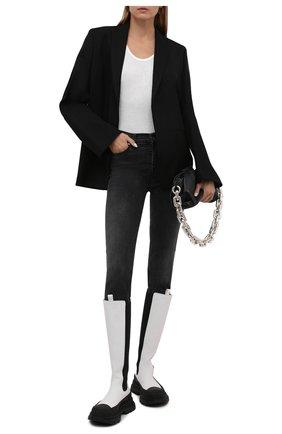 Женские кожаные сапоги ALEXANDER MCQUEEN черно-белого цвета, арт. 666410/WHZ66 | Фото 2 (Материал внутренний: Натуральная кожа; Подошва: Платформа; Каблук высота: Низкий; Высота голенища: Средние; Каблук тип: Устойчивый)
