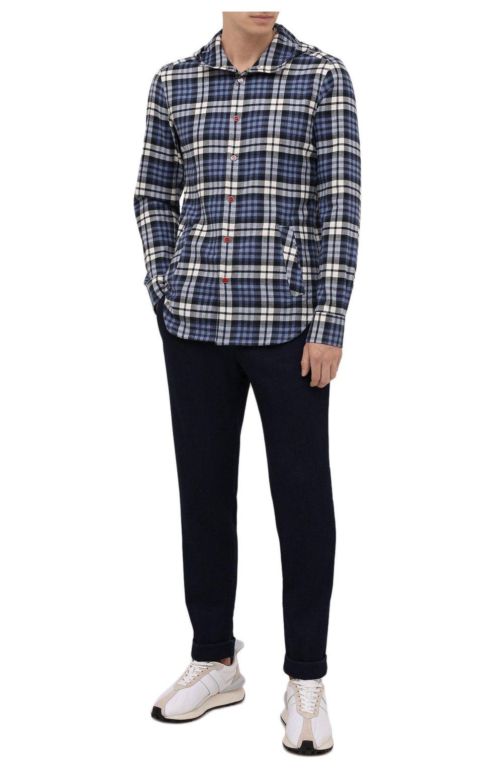 Мужская хлопковая рубашка KITON синего цвета, арт. UMCMARH0786907   Фото 2 (Принт: Клетка; Воротник: С капюшоном; Рукава: Длинные; Рубашки М: Regular Fit; Манжеты: На кнопках; Случай: Повседневный; Длина (для топов): Стандартные; Материал внешний: Хлопок; Стили: Кэжуэл)