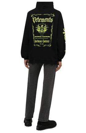 Мужской хлопковое худи VETEMENTS черного цвета, арт. UA52TR900X 1606/M   Фото 2 (Рукава: Длинные; Материал внешний: Хлопок; Длина (для топов): Удлиненные, Стандартные; Мужское Кросс-КТ: Худи-одежда; Стили: Панк; Принт: С принтом)