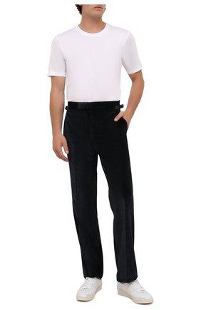 Мужские брюки TOM FORD темно-синего цвета, арт. 2VER22/610041 | Фото 2 (Материал внешний: Хлопок, Синтетический материал; Длина (брюки, джинсы): Стандартные; Материал подклада: Купро; Случай: Повседневный; Стили: Кэжуэл)