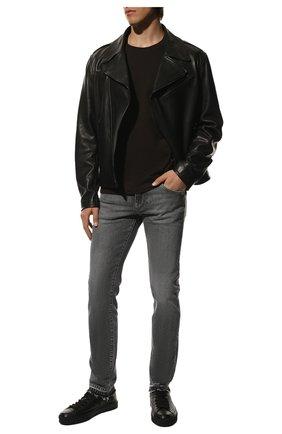 Мужские джинсы DOLCE & GABBANA серого цвета, арт. GY07LD/G8EG7 | Фото 2 (Длина (брюки, джинсы): Стандартные; Материал внешний: Хлопок; Кросс-КТ: Деним; Силуэт М (брюки): Узкие; Стили: Кэжуэл; Детали: Потертости)