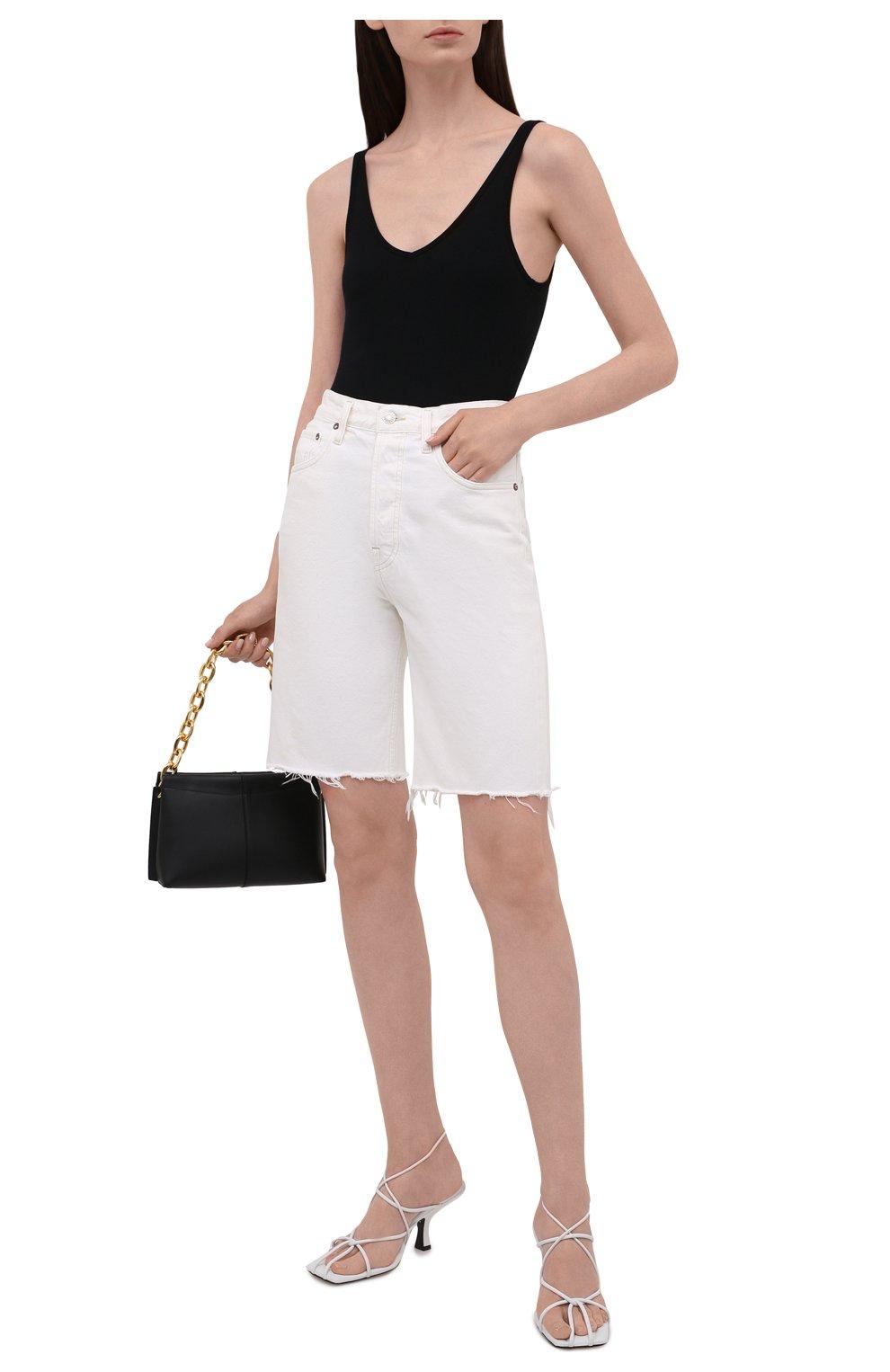Женские джинсовые шорты AGOLDE белого цвета, арт. A9011-1183 | Фото 2 (Женское Кросс-КТ: Шорты-одежда; Кросс-КТ: Деним; Длина Ж (юбки, платья, шорты): Мини; Материал внешний: Хлопок; Стили: Спорт-шик)