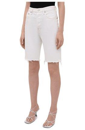 Женские джинсовые шорты AGOLDE белого цвета, арт. A9011-1183 | Фото 3 (Женское Кросс-КТ: Шорты-одежда; Кросс-КТ: Деним; Длина Ж (юбки, платья, шорты): Мини; Материал внешний: Хлопок; Стили: Спорт-шик)