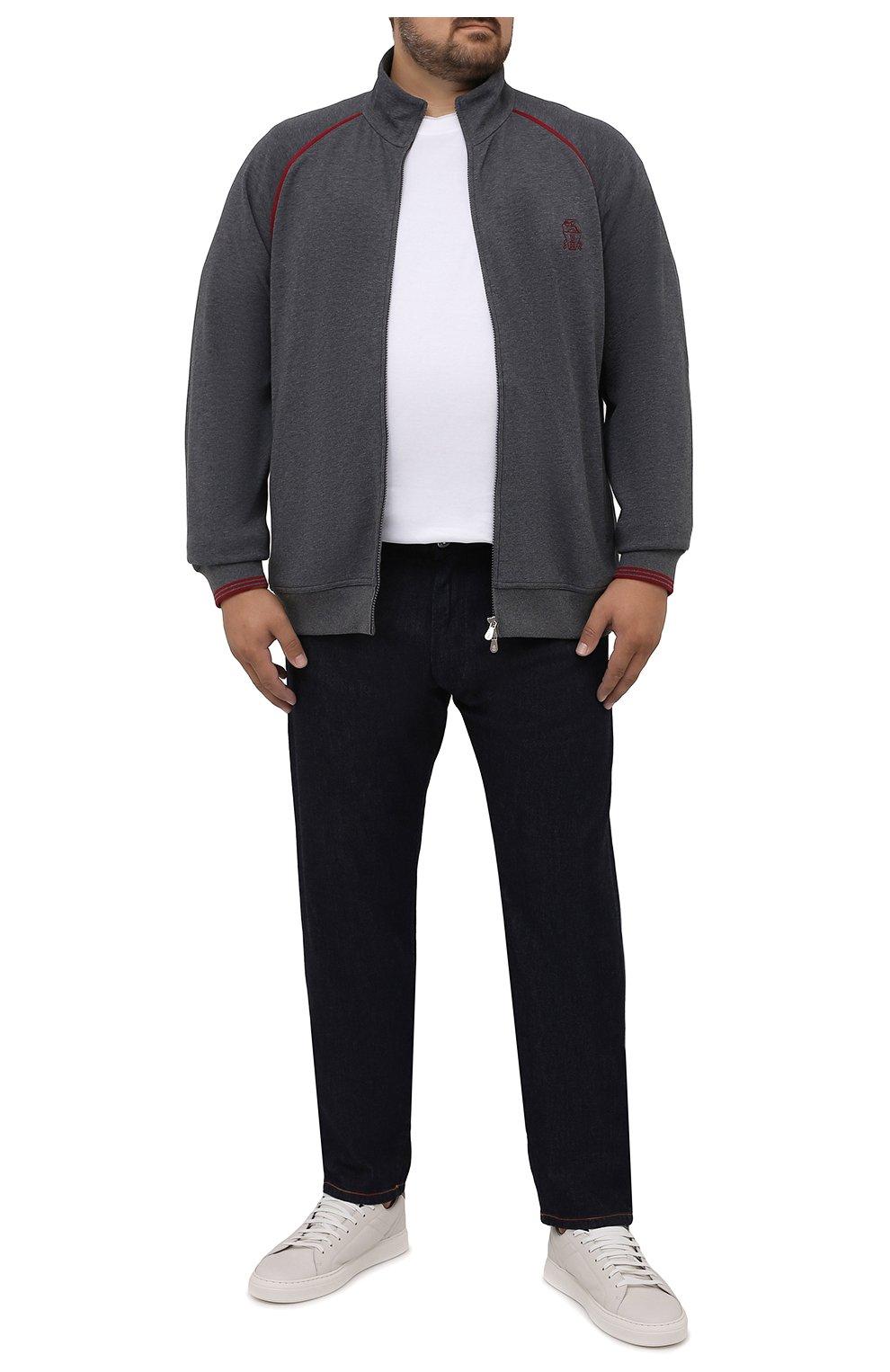 Мужской хлопковая толстовка BRUNELLO CUCINELLI темно-серого цвета, арт. M0T359276W   Фото 2 (Big sizes: Big Sizes; Рукава: Длинные; Мужское Кросс-КТ: Толстовка-одежда; Длина (для топов): Удлиненные; Материал внешний: Хлопок; Стили: Спорт-шик)