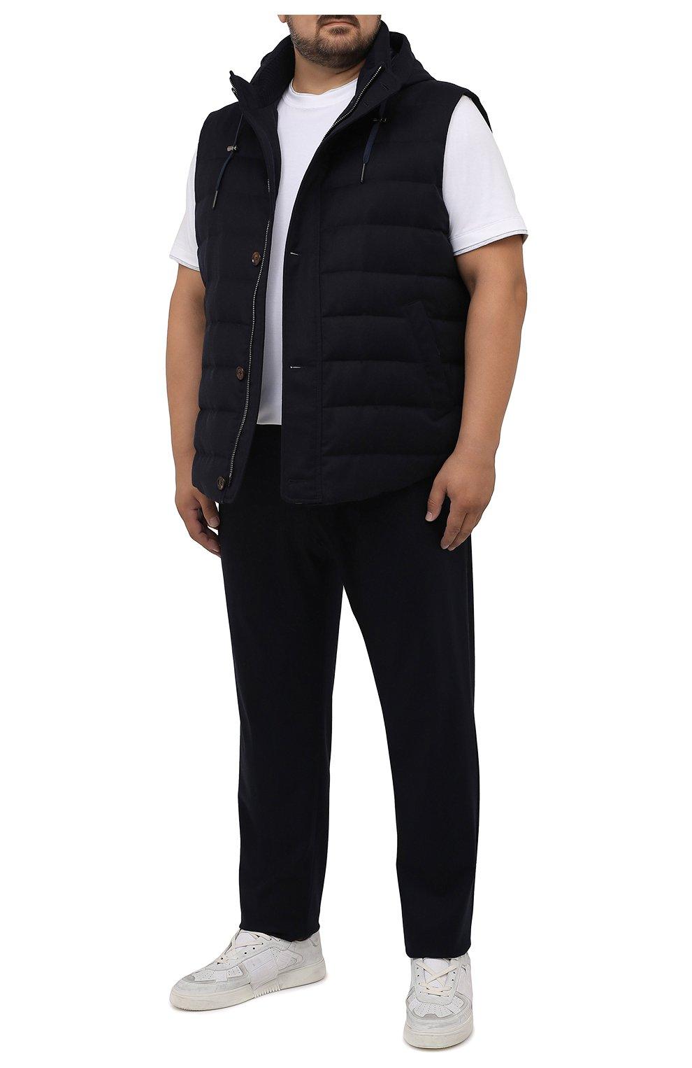 Мужской пуховый жилет KIRED темно-синего цвета, арт. WKISHBW7405009000/62-74   Фото 2 (Кросс-КТ: Куртка, Пуховик; Big sizes: Big Sizes; Материал внешний: Шерсть; Материал подклада: Синтетический материал; Длина (верхняя одежда): Короткие; Материал утеплителя: Пух и перо; Стили: Кэжуэл)