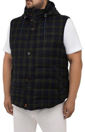 Мужской пуховый жилет KIRED темно-зеленого цвета, арт. WKISHBW7406502000/62-74   Фото 3 (Кросс-КТ: Куртка, Пуховик; Big sizes: Big Sizes; Материал внешний: Шерсть; Материал подклада: Синтетический материал; Длина (верхняя одежда): Короткие; Материал утеплителя: Пух и перо; Стили: Кэжуэл)