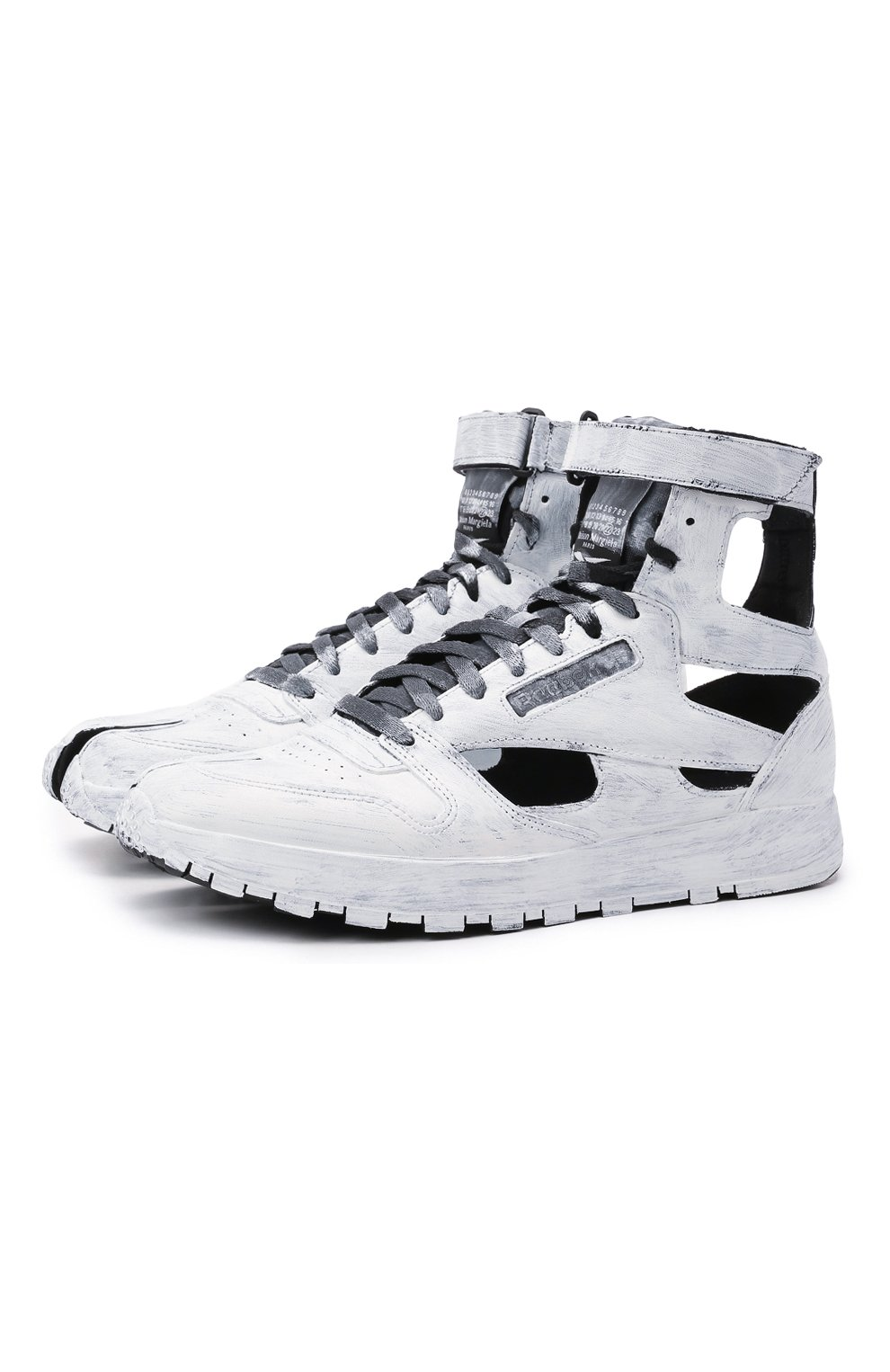 Мужские кроссовки tabi maison margiela x reebok classic MAISON MARGIELA белого цвета, арт. S37WS0569/P4242 | Фото 1 (Стили: Гранж; Материал внутренний: Текстиль; Подошва: Массивная)