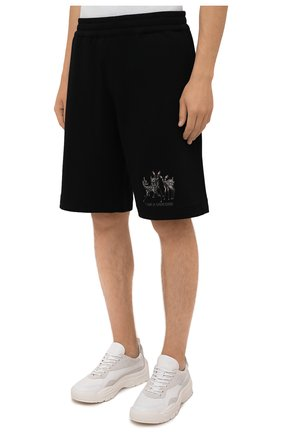 Мужские хлопковые шорты BURBERRY черного цвета, арт. 8042690   Фото 3 (Длина Шорты М: Ниже колена; Принт: С принтом; Кросс-КТ: Трикотаж; Материал внешний: Хлопок; Стили: Спорт-шик; Материал подклада: Синтетический материал)