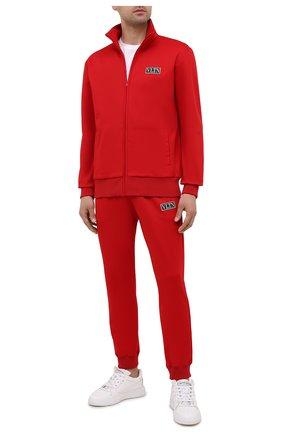 Мужские джоггеры VALENTINO красного цвета, арт. WV3MD03E7ML | Фото 2 (Материал внешний: Синтетический материал, Хлопок; Силуэт М (брюки): Джоггеры; Стили: Спорт-шик; Длина (брюки, джинсы): Стандартные)