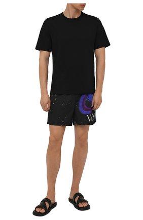 Мужские плавки-шорты VALENTINO черного цвета, арт. WV3UH0287MU | Фото 2