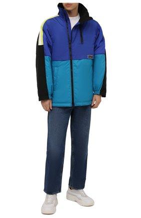 Мужская утепленная куртка VALENTINO синего цвета, арт. WV3CJG107FV | Фото 2 (Материал подклада: Синтетический материал; Длина (верхняя одежда): До середины бедра; Рукава: Длинные; Материал внешний: Синтетический материал; Кросс-КТ: Куртка; Мужское Кросс-КТ: утепленные куртки; Стили: Спорт-шик)