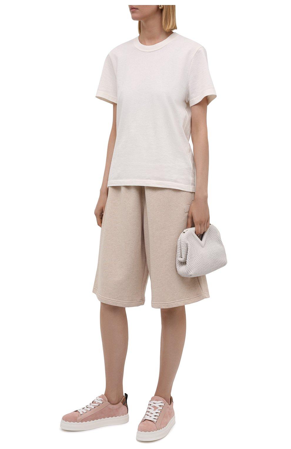 Женские хлопковые шорты ACNE STUDIOS светло-бежевого цвета, арт. CE0015/W | Фото 2 (Женское Кросс-КТ: Шорты-одежда; Кросс-КТ: Трикотаж; Материал внешний: Хлопок; Стили: Спорт-шик; Длина Ж (юбки, платья, шорты): Миди)