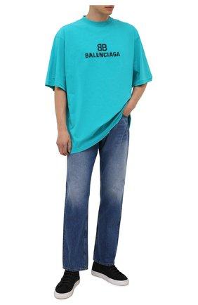 Мужская хлопковая футболка BALENCIAGA бирюзового цвета, арт. 651795/TKVF5 | Фото 2 (Материал внешний: Хлопок; Длина (для топов): Удлиненные; Принт: С принтом; Рукава: Короткие; Стили: Гранж)
