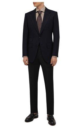 Мужской пиджак из шерсти и кашемира TOM FORD темно-синего цвета, арт. 228R01/15MA40 | Фото 2 (Материал внешний: Шерсть; Длина (для топов): Стандартные; Материал подклада: Купро, Шелк; Рукава: Длинные; Случай: Формальный; Пиджаки М: Приталенный; 1-2-бортные: Однобортные; Стили: Классический)